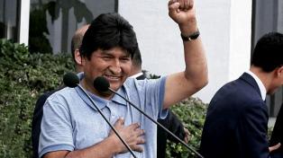Evo Morales visitó la CTA y anunció un acto para proclamar los candidatos del MAS