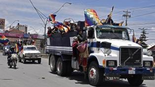 Una marea de campesinos e indígenas exige la renuncia de Áñez y promete tomar La Paz