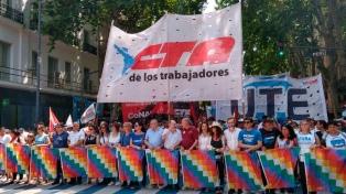 Organizaciones políticas y sociales marcharon por Evo Morales
