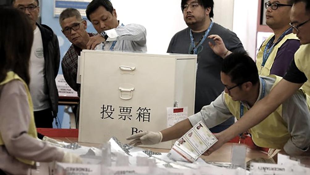 El parlamento chino busca una modificación en la reforma electoral