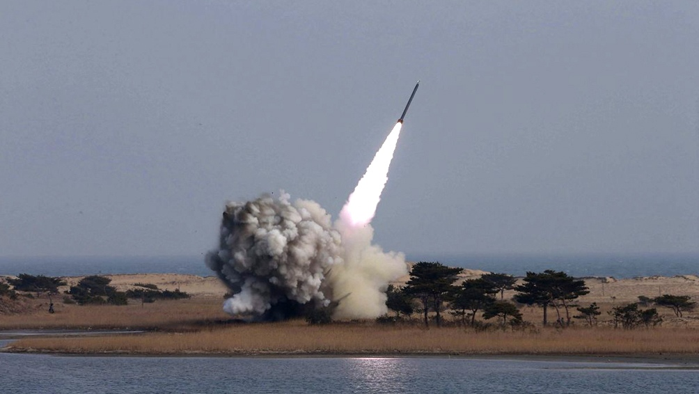 Las autoridades norcoeanas afirman haber probado en esta jornada un nuevo misil táctico.