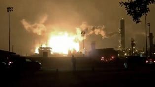 Explosión e incendio en una planta de productos químicos en Texas