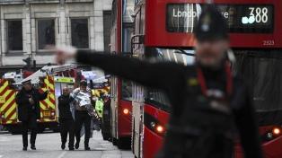 """La policía mató a una persona en un """"incidente vinculado con el terrorismo"""""""