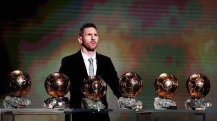 """Messi logró un sexto Balón de Oro y se convirtió en caudillo """"albiceleste"""""""