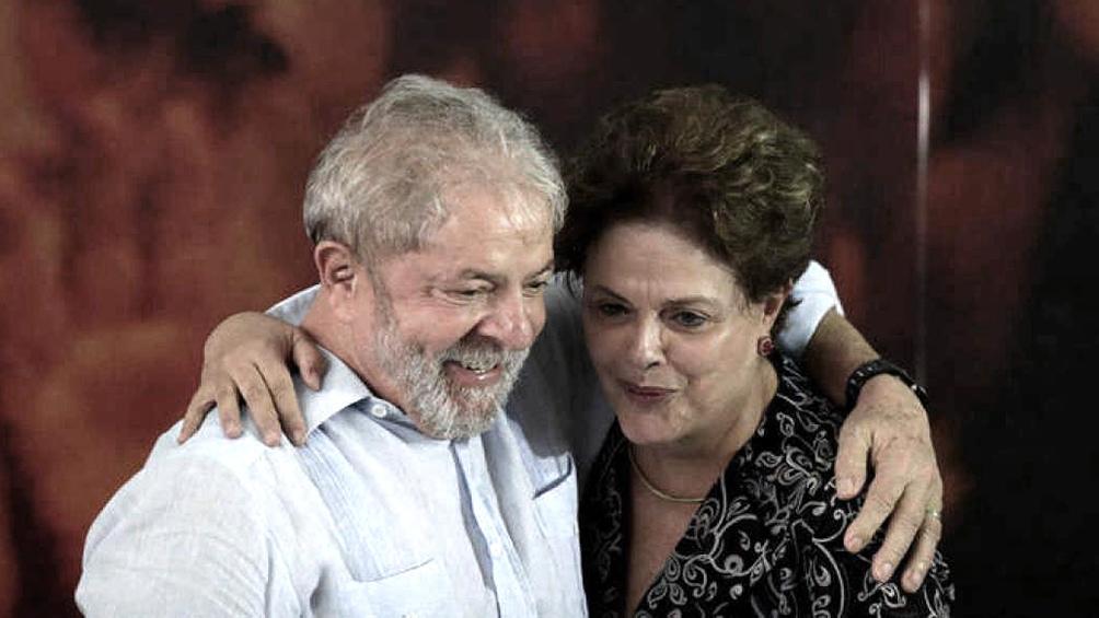 Lula puso como ejemplo que cuando dejó el Gobierno de Brasil, aunque su imagen positiva estaba en el 87 por ciento, rechazó la posibilidad de buscar un tercer mandato.