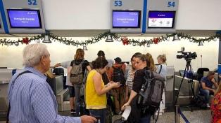 Los aeronavegantes convocan a un paro para el lunes en Latam