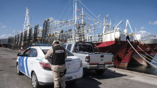 Los puertos argentinos se encuentran en funcionamiento y con controles preventivos