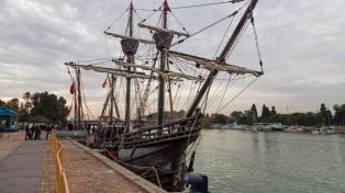 Tras 21 días arribó un velero que recrea la expedición marítima de Magallanes y Elcano