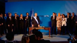 Alberto Fernández tomó juramento a los ministros de su gabinete
