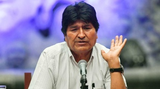 Evo Morales llegó a Argentina y el Gobierno tramita su estatus de refugiado