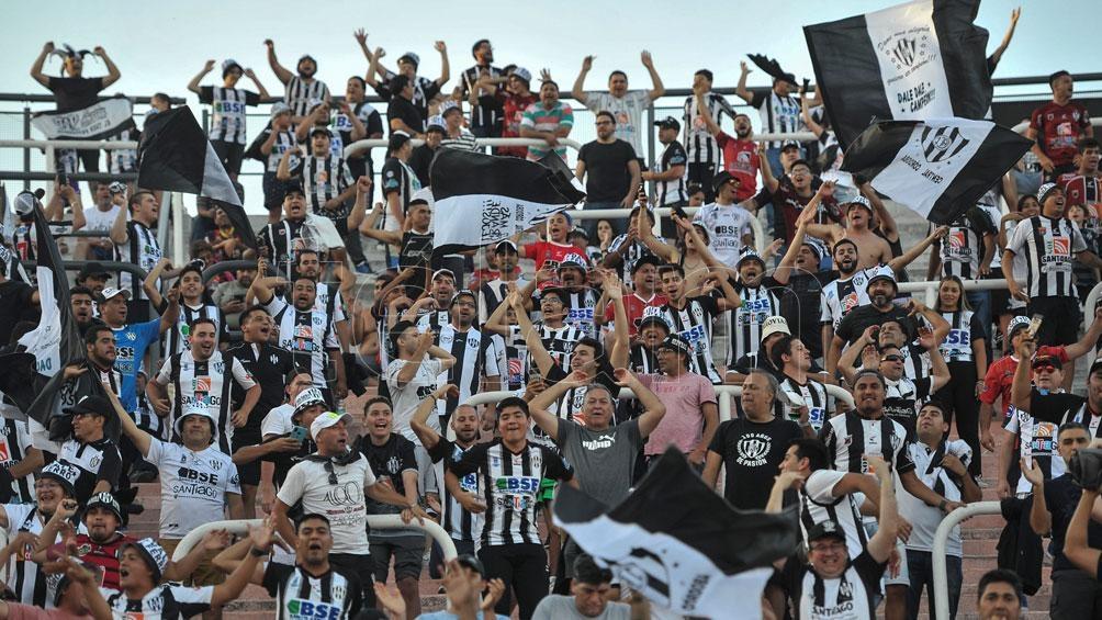 La Liga Profesional analizará el regreso del público a los estadios