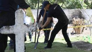 Hallan una fosa común con más de 50 supuestas víctimas de ejecuciones
