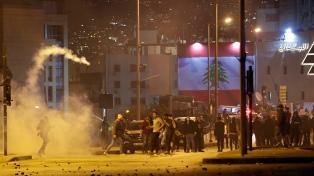 Segunda noche de protestas violentas en Líbano por la crisis económica
