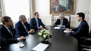 """Gobernadores radicales califican de """"muy buena"""" la reunión con el Presidente"""
