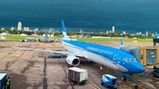 Demoras en Aeroparque y Ezeiza por tormenta con actividad eléctrica