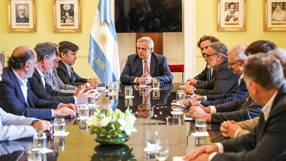 Fernández pidió no dolarizar el precio de los alimentos