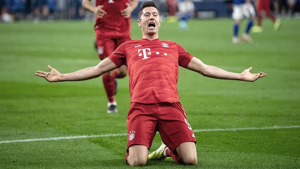 El centrodelantero polaco Robert Lewandowski llegó a los 275 goles defendiendo los colores del Bayern Munich.