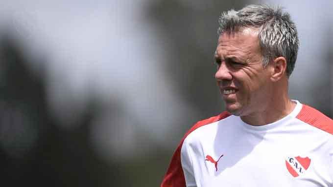 Pusineri prepara el equipo para jugar ante Atlético Tucumán por la Sudamericana