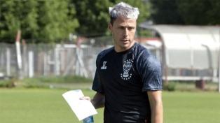 Damonte dirigió su primer entrenamiento como entrenador de Huracán