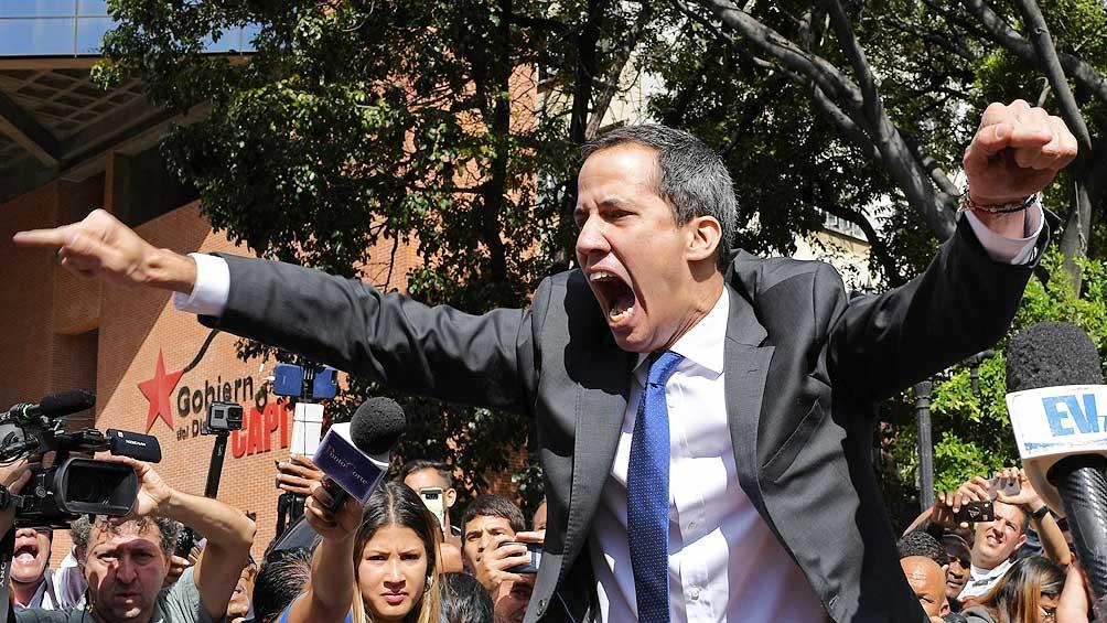 """""""La decisión del gobierno de Chile obedece a una solicitud del líder de la oposición Juan Guaidó"""", comunicó la Cancillería de Chile."""