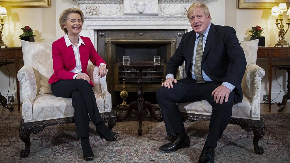 Ursula von der Leyen y Boris Johnson, hablarán por teléfono