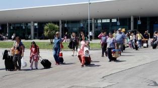 Maleteros bloquean por cuarto día la terminal de micros de Mar del Plata