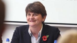 Arlene Foster dimittió formalmente como primera ministra