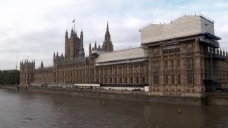 Johnson explica que se vio obligado a presentar el proyecto de ley sobre el mercado interno.