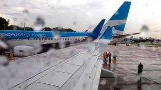 Demoras en Ezeiza y Aeroparque por tormentas con intensa actividad eléctrica