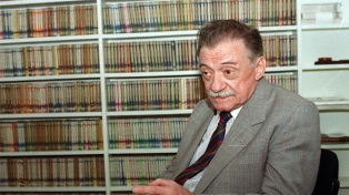 Escritores y poetas rinden homenaje a Mario Benedetti en el centenario de su nacimiento