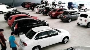 En febrero cayó casi 7% la venta de autos usados