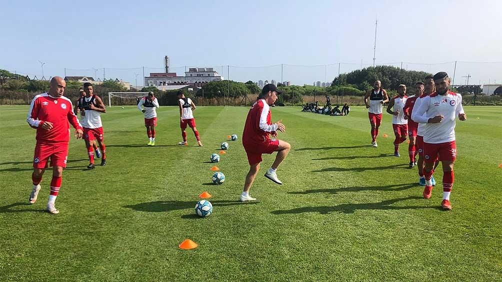 Argentinos Juniors postergó los entrenamientos al no contar con todos los resultados de los tests.
