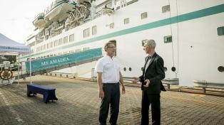 El ministro de Transporte propone un rediseño del puerto para el turismo de cruceros