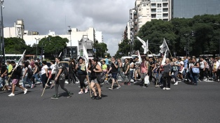 Barrios de Pie protesta en reclamo de asistencia a comedores porteños