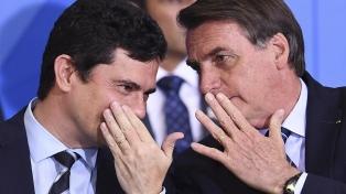Moro entregó documentos y charlas por Whatsapp para delatar a Bolsonaro, su jefe durante 15 meses