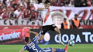 River venció en Mendoza y quedó primero en soledad en la Superliga