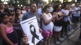 """""""Justicia"""" y """"cárcel para los culpables"""", el pedido en la marcha por el crimen de Fernando"""