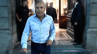 """Cornejo: """"Es prudente que Macri no esté en el fronting del debate político"""""""