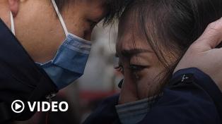 Los muertos llegan a 361 en China, donde inauguran un hospital construido en 10 días