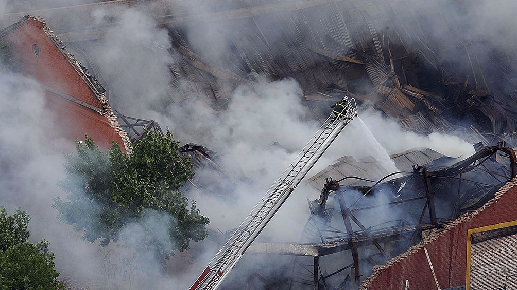El incendio se detectó a la 9,15 de la mañana. Iron Mountain ya había sufrido siniestros similares en depósitos de Estados Unidos, el Reino Unido, Canadá e Italia.