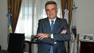 """Rossi: """"Las Fuerzas Armadas han puesto todo su potencial para atender a la población"""""""