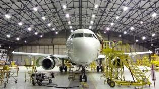 FAdeA obtuvo certificación para el mantenimiento de aviones comerciales de Brasil