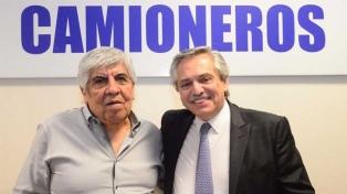 Alberto Fernández recibió a Hugo Moyano: hablaron de paritarias y deuda