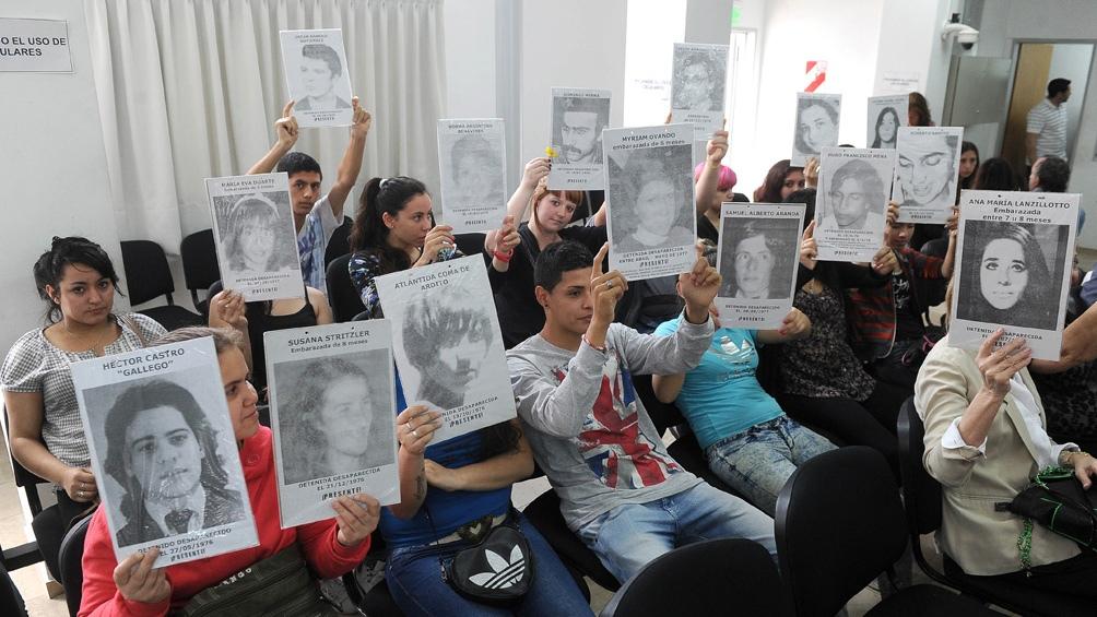 La Megacausa de Campo de Mayo, que sigue el Tribunal Oral Federal 1 de San Martín, alcanza crímenes de lesa humanidad cometidos contra más de 323 víctimas.