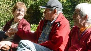 Cobran los jubilados y pensionados con ingresos hasta $ 21.393 y DNI terminado en 4 y 5