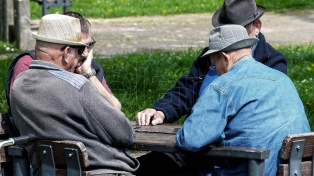 """Fernández a los jubilados: """"Habrá un Estado presente que no los abandonará nunca más"""""""
