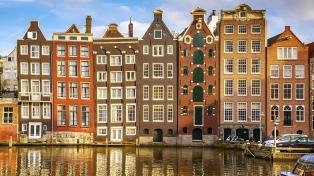 Países Bajos levantó la prohibición pero impone cuarentena a los viajeros desde Sudamérica