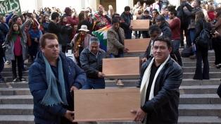 Enterrarán en un monumento restos de nueve integrantes del pueblo Qom restituidos a su comunidad