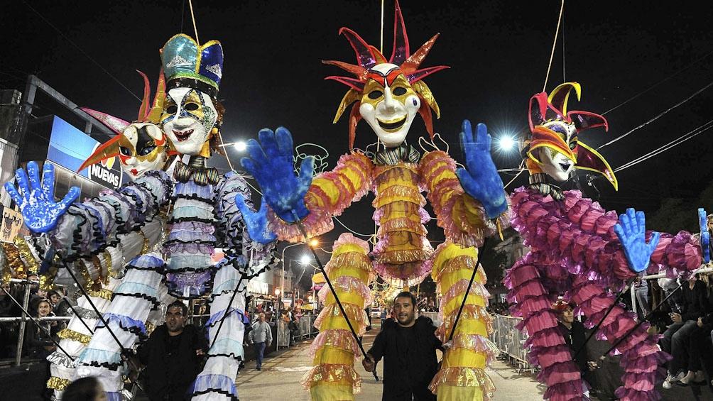 EL Carnaval de Lincoln, en la provincia de Buenos Aires, encierra un duelo de habilidades.