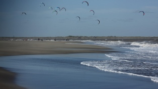 Uno de los mejores escenarios del mundo para deportes de viento en la costa de Río Negro
